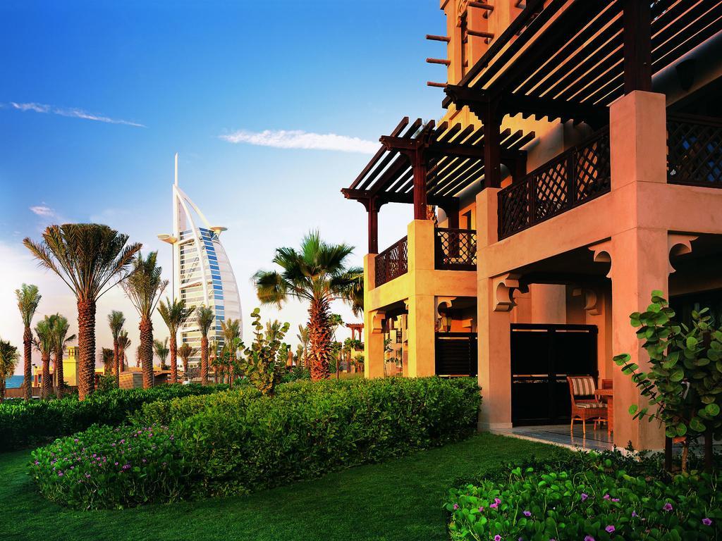 الفنادق الشاطئية في دبي